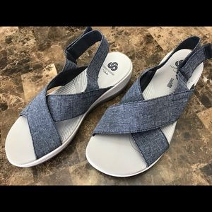 CLARKS WOMENS CLOUDSTEPPERS ORTHOLITE SANDALS SZ 8